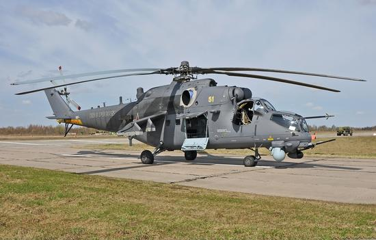 俄罗斯米-35M武装直升机搭载步兵机降作战