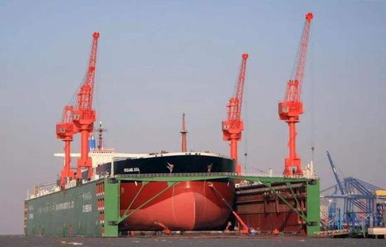 中国的大型浮船坞