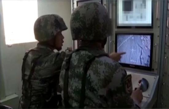 ▲中程无人侦察机的地面操控室(图片来源:网络)