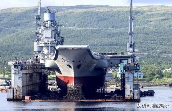 库兹涅佐夫号航母