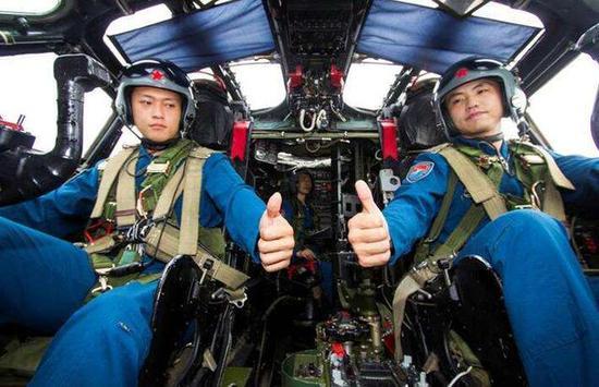 轰20采用三人机组最合适