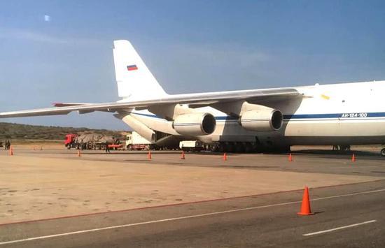 安-124军用运输机