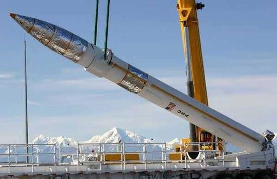 美国GBI地基拦截弹,它的起飞重量与东风-21相差无几