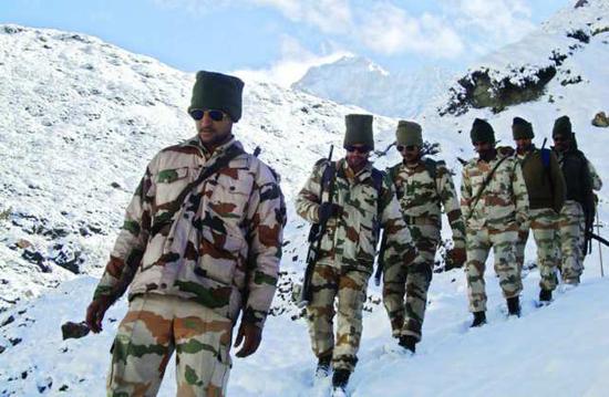印度部队在中印边境撑不住了?哀求撤出高海拔地区