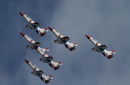 巴基斯坦空军雄狮飞行表演队,他们座机是K-8P