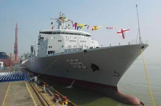 呼伦湖舰是901型大型综合补给舰首制舰,配属北海舰队