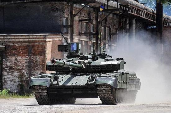 乌克兰推出的堡垒-P主战坦克,它是堡垒-M改进型