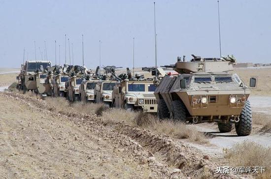 为悍马打头阵的M-1117装甲车