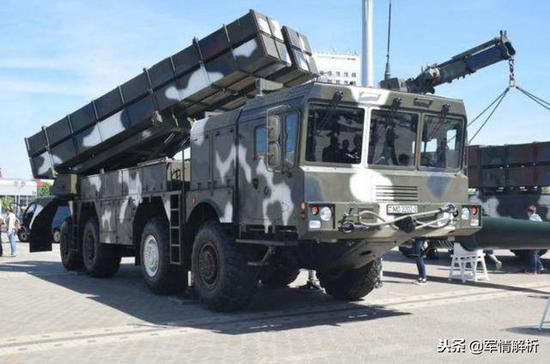白俄罗斯装备的导弹发射车
