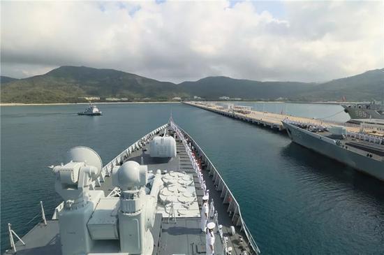 在海上漂了六七个月的中国军舰