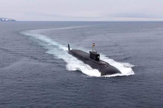 图为俄海军北风之神级核潜艇