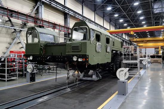 图片:苏联时代生产MAZ重型卡车底盘的工厂现在是白俄罗斯的MZKT。