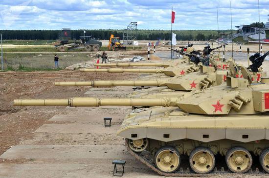 """2019年参加""""坦克两项""""的96B"""