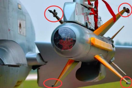 KD-88导弹,弹翼尖端是数据传输天线,保证操作员和导弹信息交流