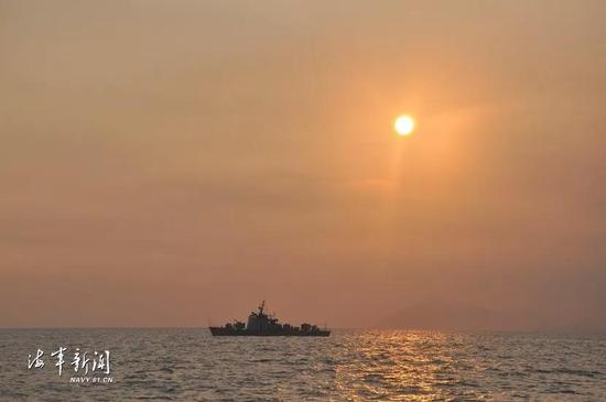 中国海军8艘护卫艇集体退役 已服役超20年(图)