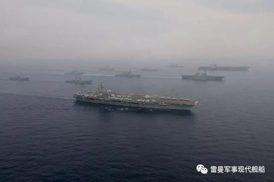 注意中间的日本航母