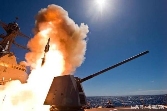 """△美国海军的""""标准""""-6防空导弹凭借NIFC-CA,实现了超越地平线防空"""