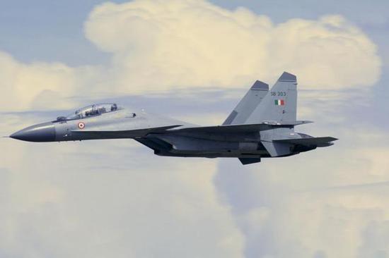 印度空军主要作战装备为俄制苏30MKI战斗机、俄制米格-29战斗机