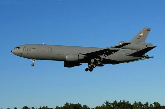 美军机又被苏35锁定 这次是在最脆弱时被偷拍