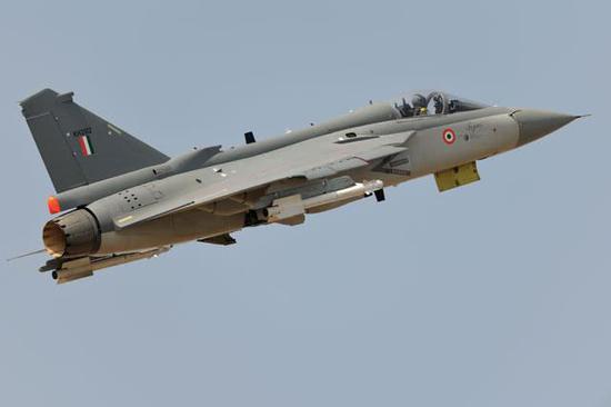 印度称LCA战机能够完善空中添油义务