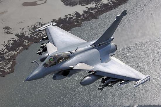 """法国""""阵风""""战斗机。"""