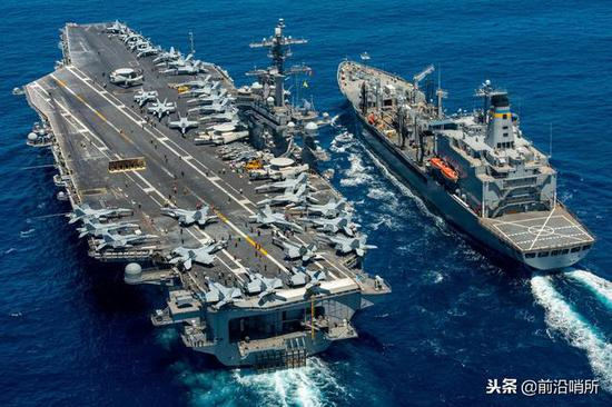 美军航空母舰