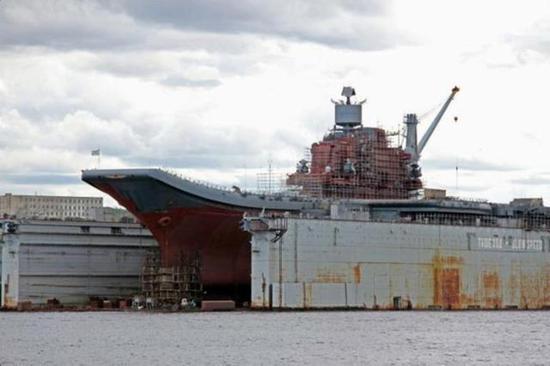 大型浮船坞