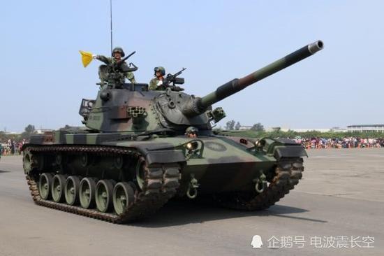 台军8军团装甲564旅发生一起坦克撞人惨剧