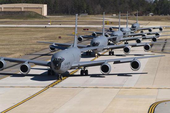 KC135就是波音707的外兄弟