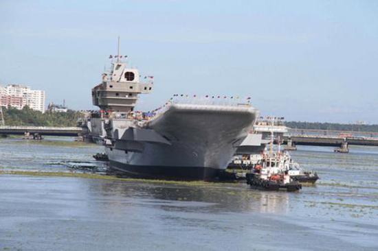 """印度首艘国产航母""""维克兰特""""号仍没建完"""