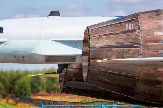 117S发动机是AL31家族的最大改型,吃失踪了一切的潜力