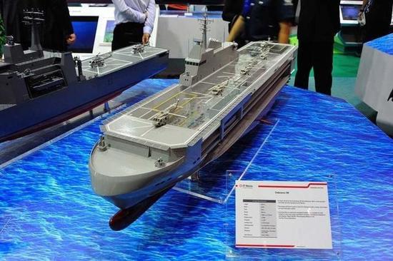 新添坡坚韧160多功能支援舰