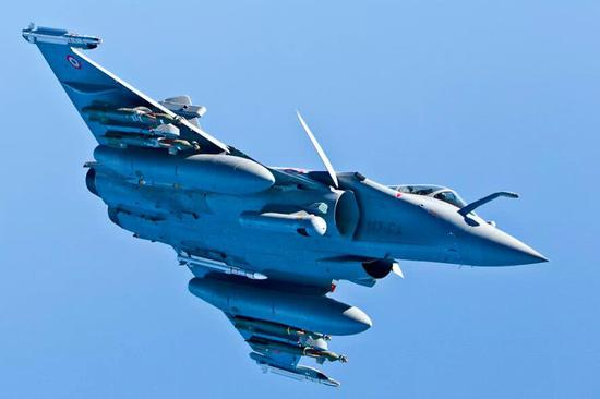 法国战斗机的益处是操纵性益,人机界面拙劣,短板总是发动机差,价格腾贵,不息搞不定