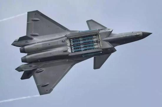 2018年这些中国武器惊艳全球:电磁炮轰20获重大进展