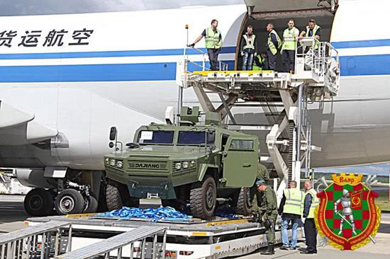 图片:运抵白俄罗斯的中国CS/VN3轻型装甲车,主要装备该国迅速逆答部队。