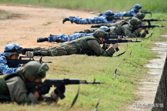 中俄海军陆战队交流