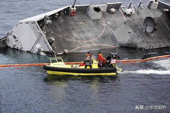 沉没中的英斯塔舰