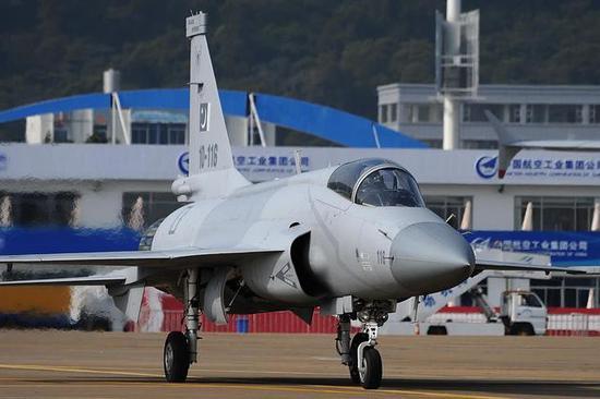 枭龙战斗机无可置疑的赢得了印巴战斗机研发大战