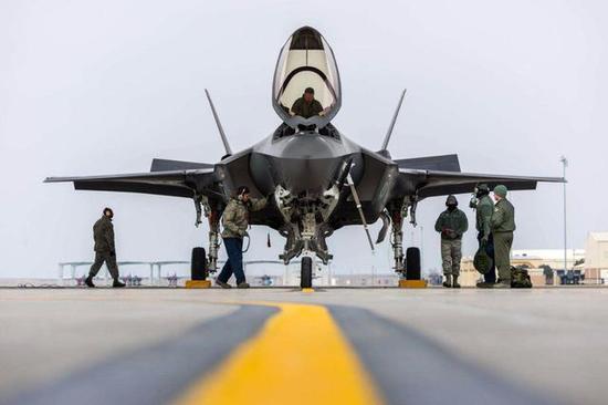 美军如何评价歼20:隐身落后F35一代 航电也有差距