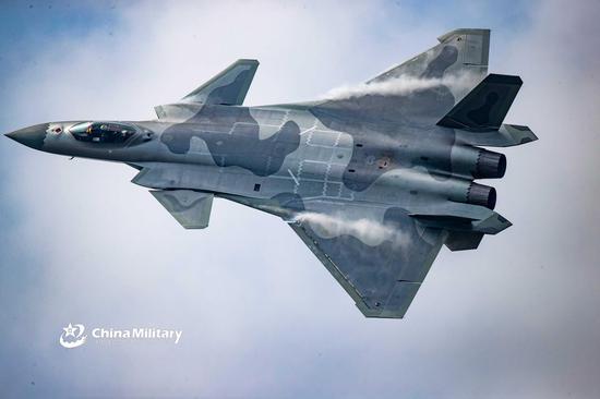 中国空军的歼-20第四代战斗机