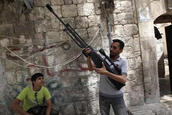 图片:出现在叙利亚的中国产M99反器材狙击步枪。