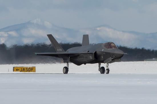 日本将先于中国装备隐形战机_美媒:中国可能会先找到日本坠海F35 将威胁美安全|日本|残骸 ...