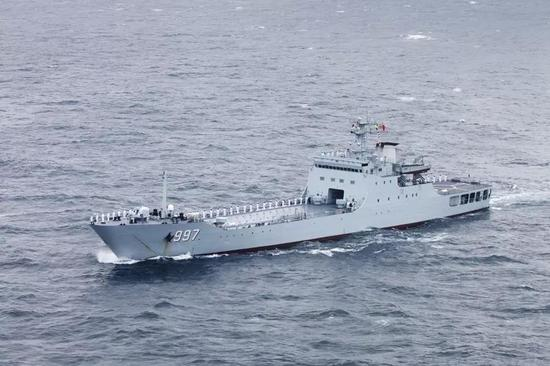 """072A""""云雾山""""号坦克登陆舰"""