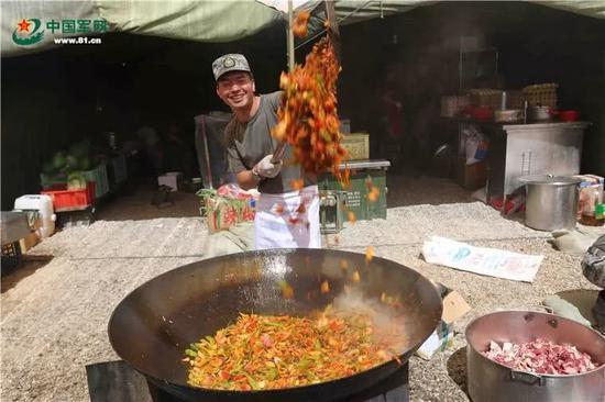 中国军队伙食新标配:从四菜一汤升级为六菜一汤