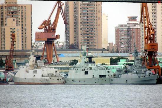 淡出视野054舰有新惊喜:返厂升级 原有武器被拆光
