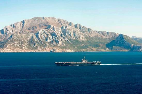 美航母編隊進入地中海 軍機逼近俄駐敘利亞基地偵察