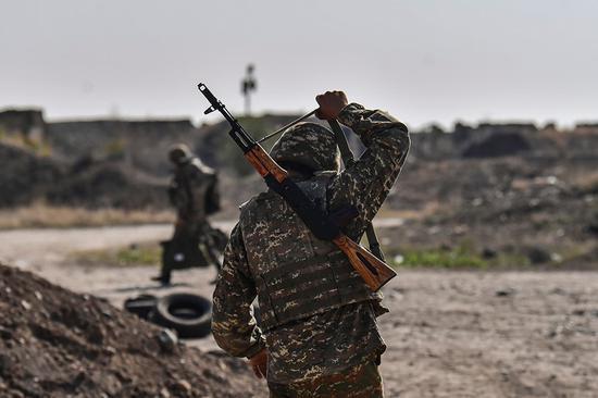 俄外长称将制定监控纳卡停火的机制 停止敌对行动