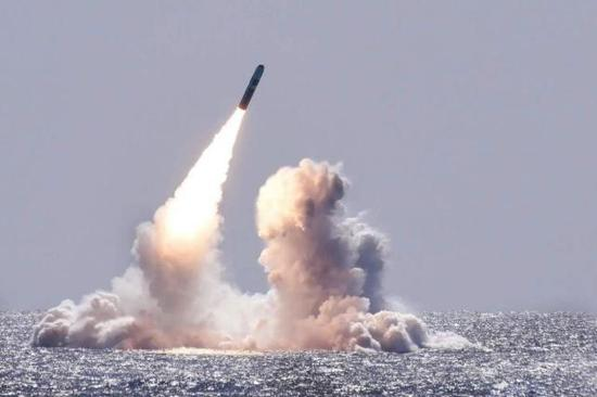 世界各国都关注美国核武器计划