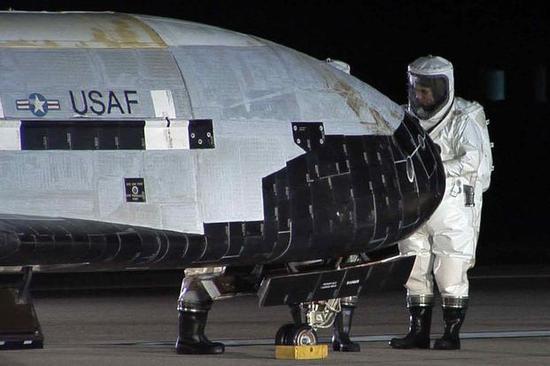 以经被美国太空军接受的X-37B空天飞机