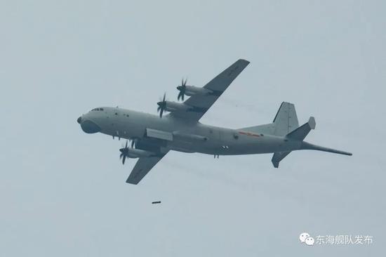 """台媒:解放军3机赴台""""西南空域"""" 12月""""全勤"""""""